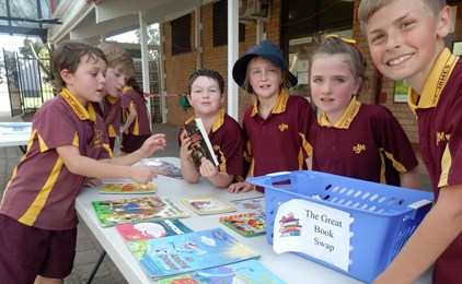 Image:Indigenous Literacy Day-St James' Primary School Muswellbrook