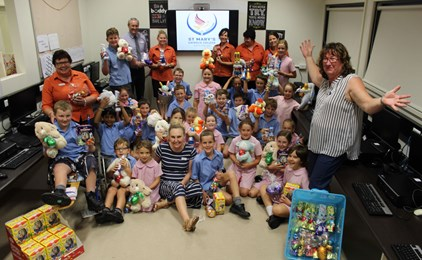 Image:St Mary's gathers donations for victims of the Sir Ivan fires for Easter