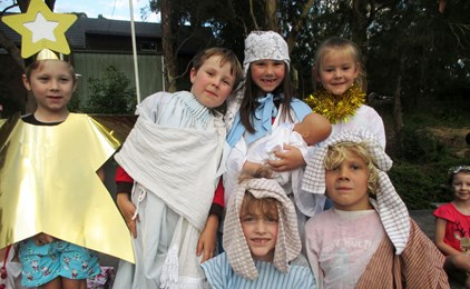 Image:Twilight Christmas celebrations at St Joseph's Charlestown